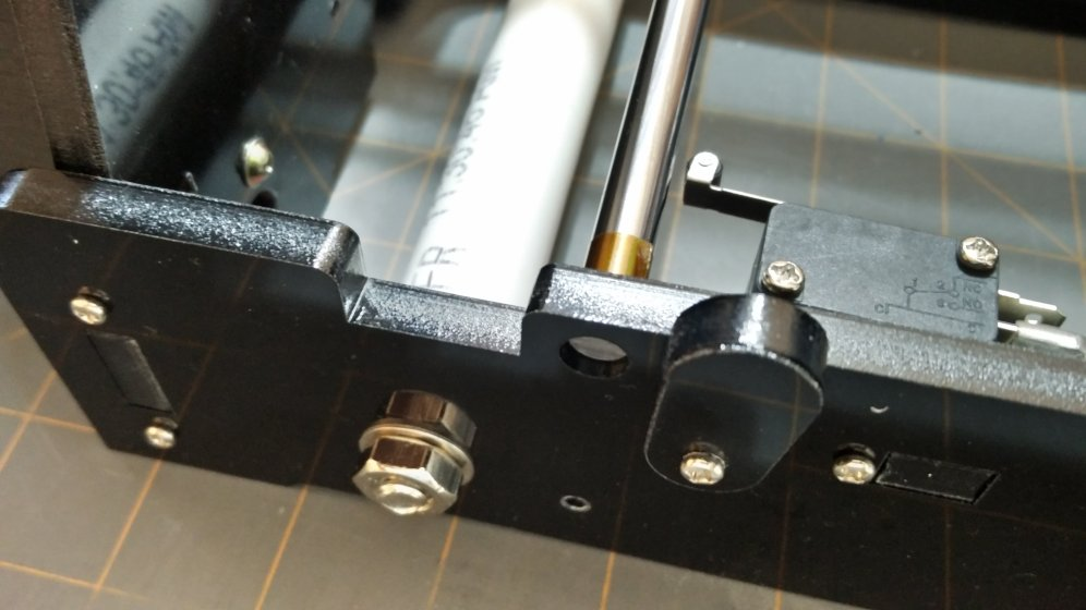 Shimming y-axis rods